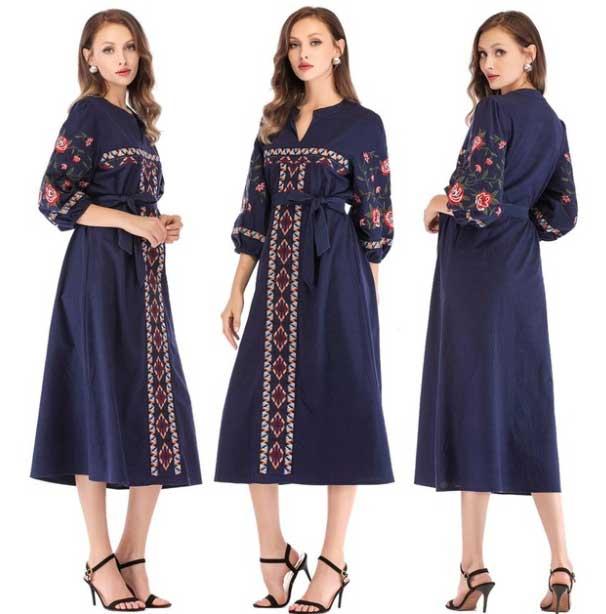 Платье в украинском стиле с дленними рукавами