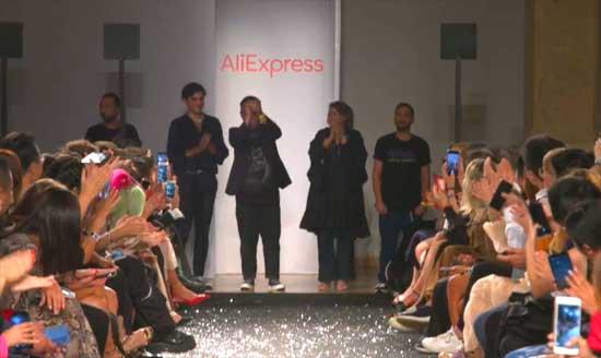 Дизайнеры одежды на показе Алиэкспресс в Милане