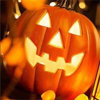 Костюмы и украшения на Хэллоуин