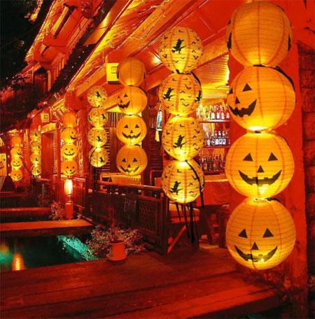 Бумажный фонарик для украшения Хэллоуина