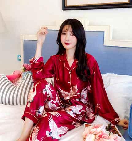 Подарок Милый комплект пижамы.